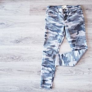 CURRENT/ELLIOT | Grey camo skinny ankle jeans